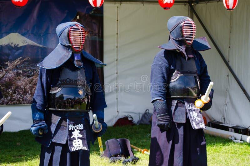 Η ιαπωνική πολεμική τέχνη Kendo, η εικόνα παρουσιάζει προστατευτικό τεθωρακισμένο, στο ιαπωνικό φεστιβάλ Matsuri στοκ εικόνες