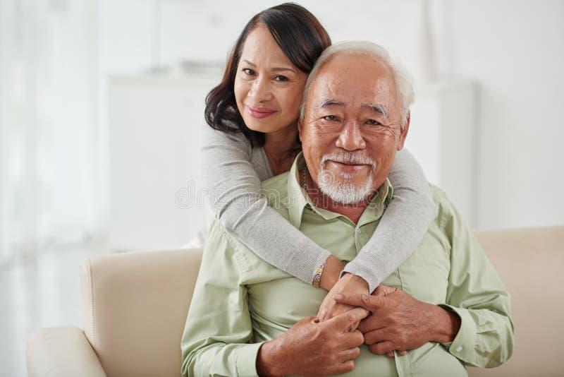 ηλικίας ζεύγος ευτυχές στοκ φωτογραφίες