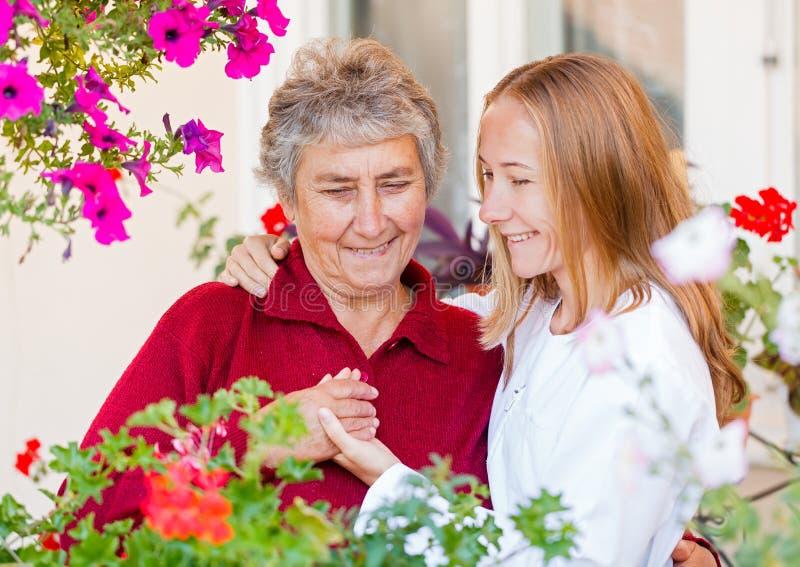Ηλικιωμένη προσοχή στοκ εικόνες με δικαίωμα ελεύθερης χρήσης