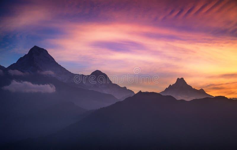 Ηλιοβασίλεμα από το Hill Poon, Νεπάλ στοκ φωτογραφία