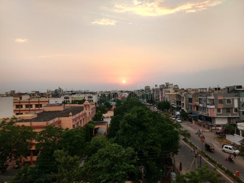 ηλιοβασίλεμα αστικό στοκ φωτογραφίες