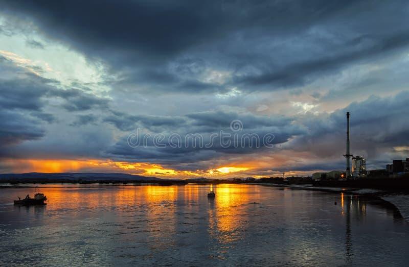 Ηλιοβασίλεμα εμπρός στοκ φωτογραφίες