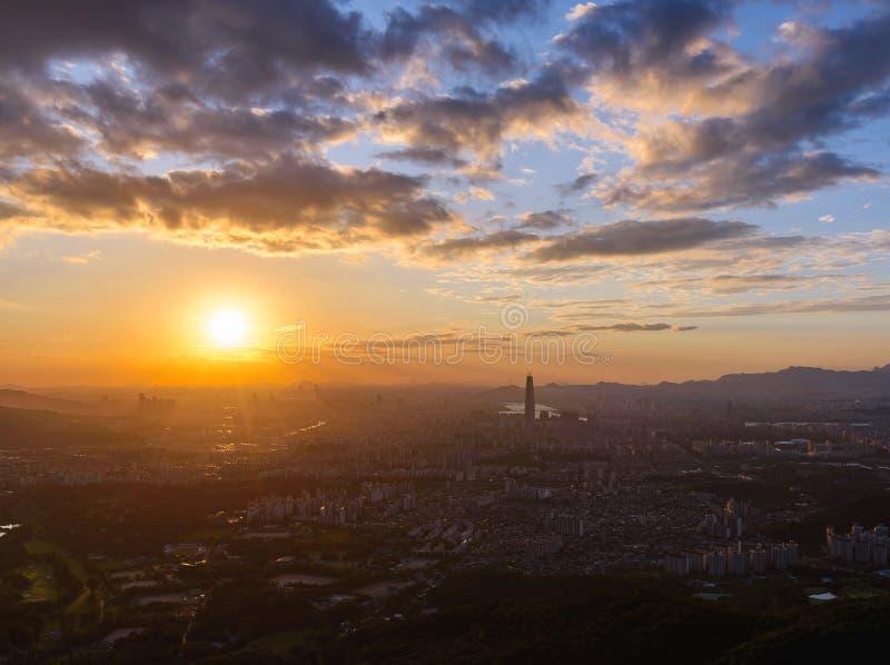 Ηλιοβασίλεμα η πόλη της Σεούλ στοκ φωτογραφίες με δικαίωμα ελεύθερης χρήσης