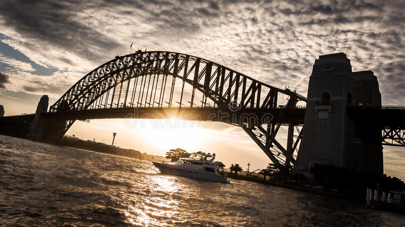 Ηλιοβασίλεμα λιμενικών γεφυρών του Σίδνεϊ στοκ φωτογραφίες με δικαίωμα ελεύθερης χρήσης