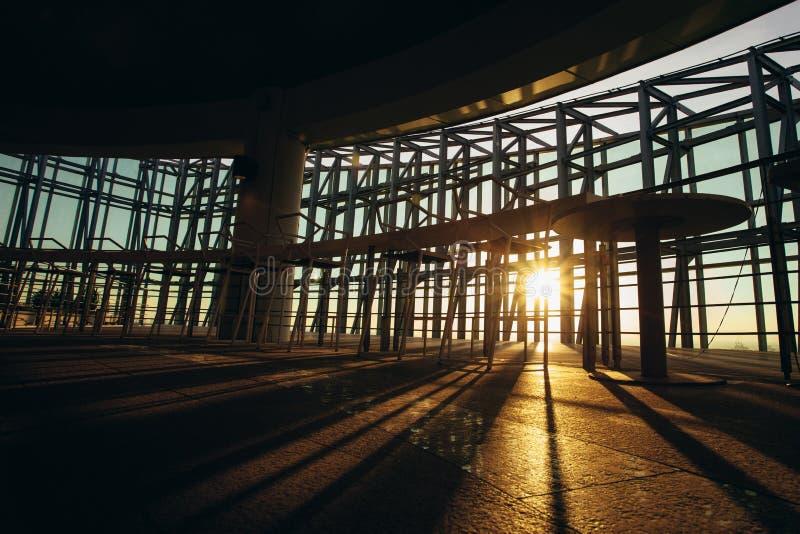 Ηλιοβασίλεμα και γραμμή σκιάς σκιών στοκ φωτογραφίες με δικαίωμα ελεύθερης χρήσης