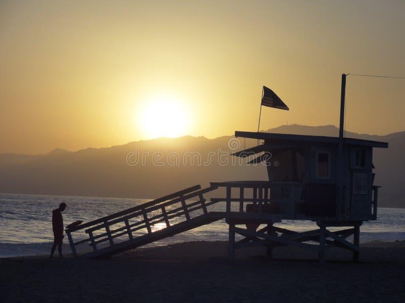 Ηλιοβασίλεμα καλυβών Lifeguard στοκ φωτογραφίες