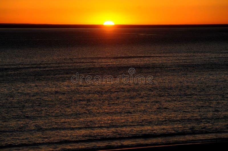 Ηλιοβασίλεμα πέρα από την παραλία στο Λος Άντζελες, Καλιφόρνια στοκ εικόνες