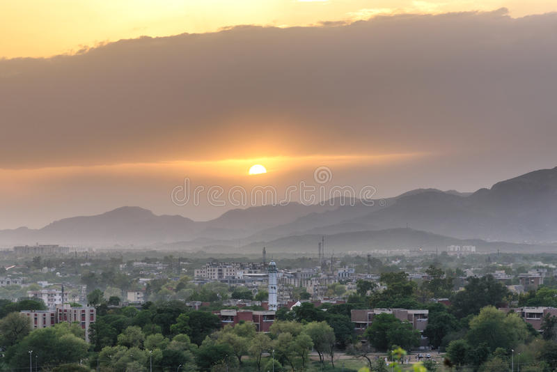 Ηλιοβασίλεμα Πακιστάν οριζόντων του Ισλαμαμπάντ στοκ φωτογραφίες