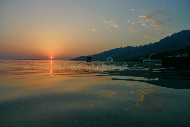Ηλιοβασίλεμα παραλιών starigrad-Paklenica στοκ εικόνες