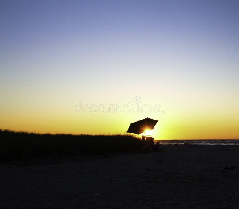 Ηλιοβασίλεμα που οξύνει κατευθείαν στοκ εικόνα με δικαίωμα ελεύθερης χρήσης