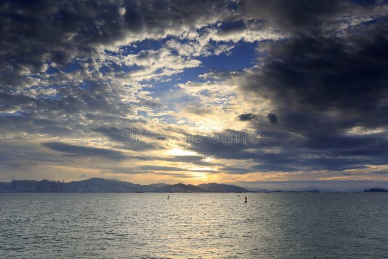 Ηλιοβασίλεμα πλατφορμών εξέτασης Yanwu στοκ εικόνες