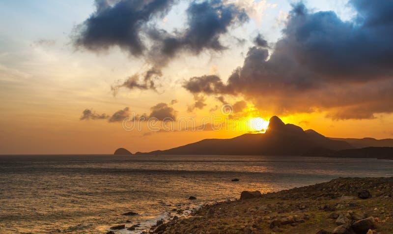 Ηλιοβασίλεμα σε ένα νησί Con Dao στοκ εικόνες