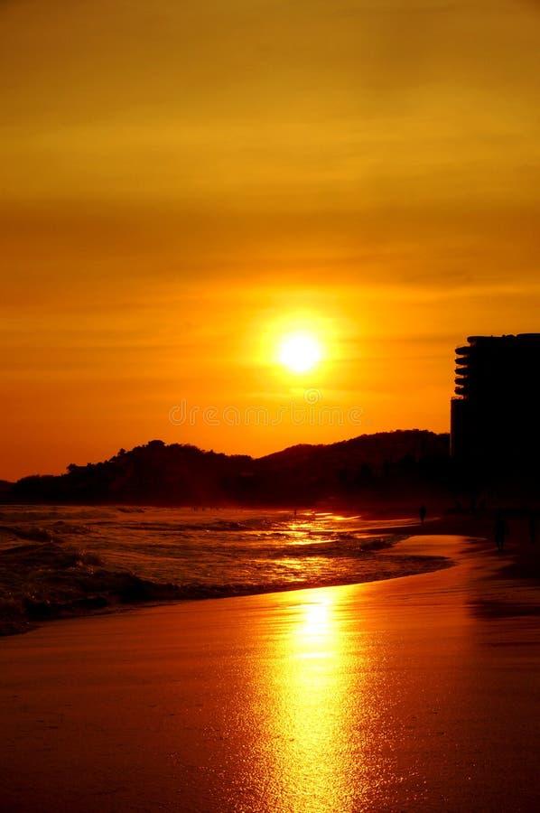 Ηλιοβασίλεμα σε Ixtapa στοκ εικόνες με δικαίωμα ελεύθερης χρήσης
