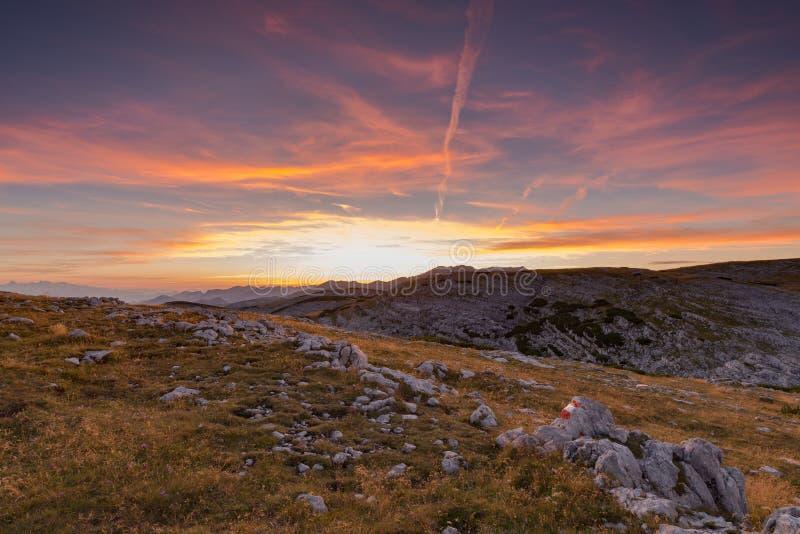 Ηλιοβασίλεμα στα όρη στοκ φωτογραφίες με δικαίωμα ελεύθερης χρήσης