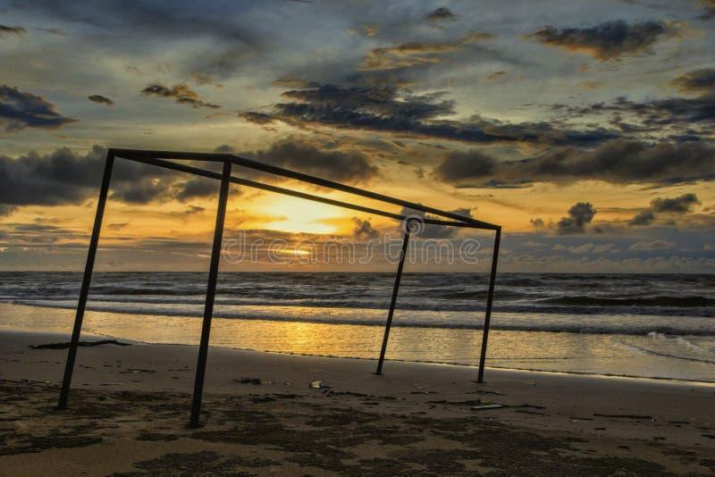 Ηλιοβασίλεμα στην παραλία Dalit στοκ φωτογραφία