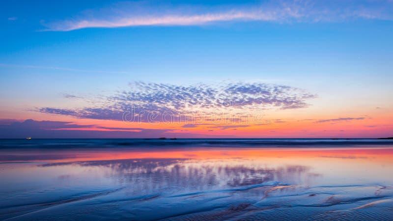 Ηλιοβασίλεμα στην παραλία goa στοκ εικόνες