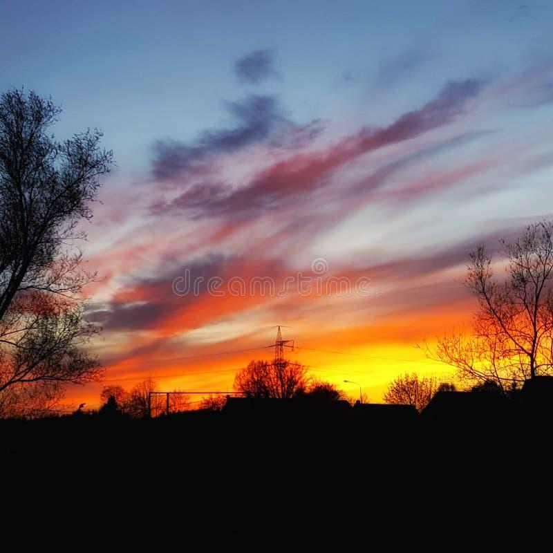 Ηλιοβασίλεμα στην πυρκαγιά στοκ φωτογραφία με δικαίωμα ελεύθερης χρήσης