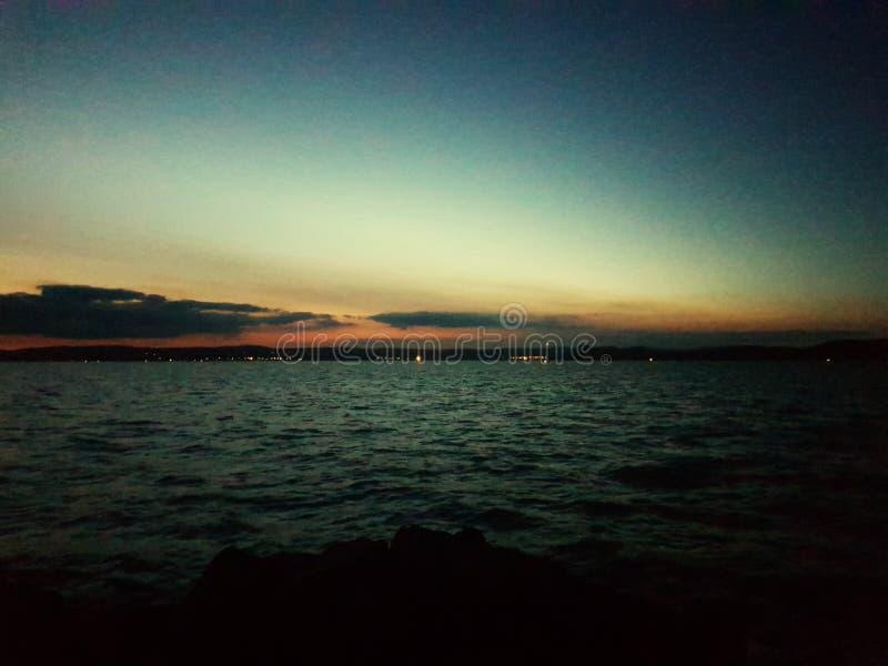 Ηλιοβασίλεμα στη λίμνη Balaton στοκ εικόνες με δικαίωμα ελεύθερης χρήσης