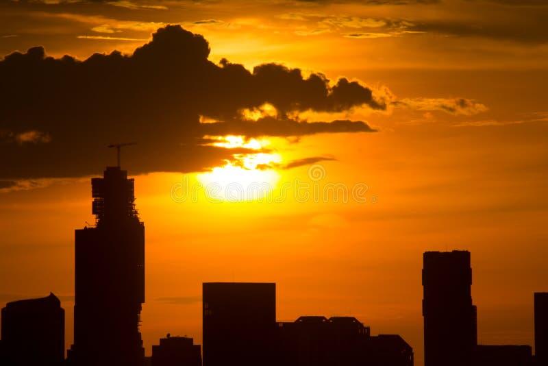 Ηλιοβασίλεμα στη Μπανγκόκ Ταϊλάνδη στοκ φωτογραφία με δικαίωμα ελεύθερης χρήσης