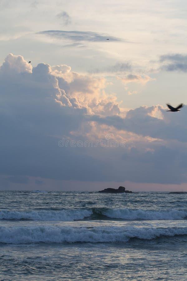 Ηλιοβασίλεμα στη Σρι Λάνκα στοκ εικόνες