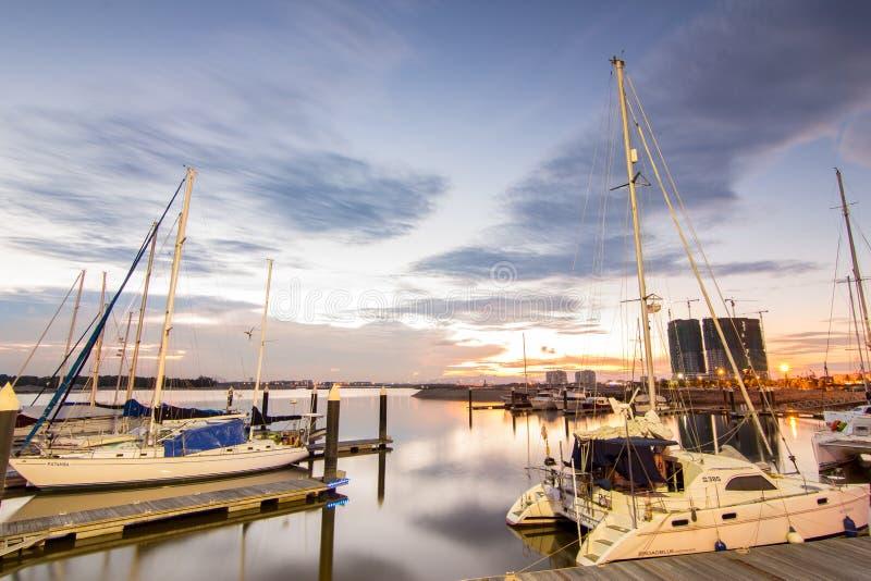 Ηλιοβασίλεμα στον κόλπο της Danga στοκ εικόνες με δικαίωμα ελεύθερης χρήσης