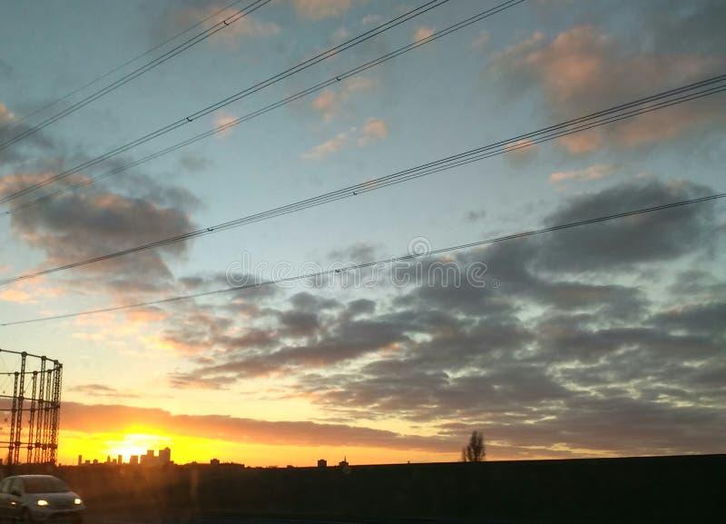 Ηλιοβασίλεμα στο ανατολικό Λονδίνο στοκ εικόνες με δικαίωμα ελεύθερης χρήσης