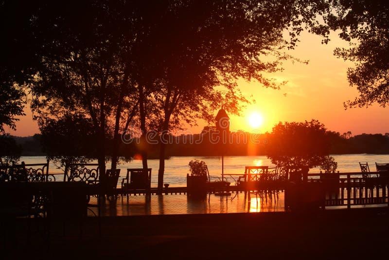 Ηλιοβασίλεμα στο βασιλικό Livingstone 2 στοκ φωτογραφία