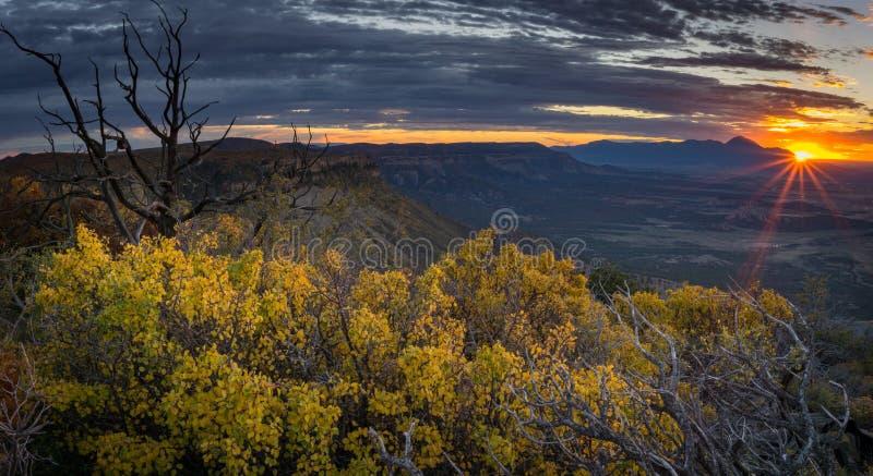 Ηλιοβασίλεμα στο εθνικό πάρκο Mesa Verde στοκ φωτογραφίες με δικαίωμα ελεύθερης χρήσης