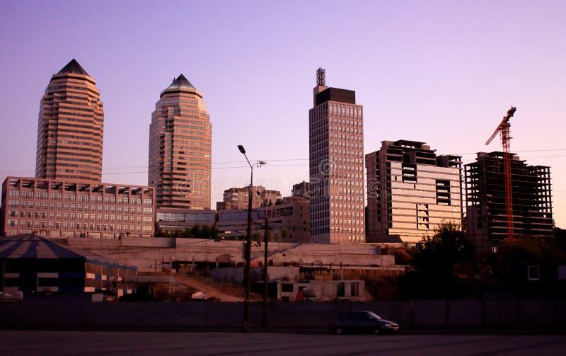 Ηλιοβασίλεμα στο εργοτάξιο οικοδομής στοκ φωτογραφία
