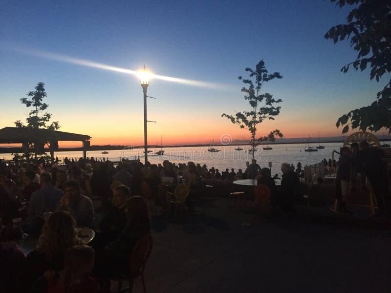 Ηλιοβασίλεμα στο πεζούλι στοκ φωτογραφίες με δικαίωμα ελεύθερης χρήσης