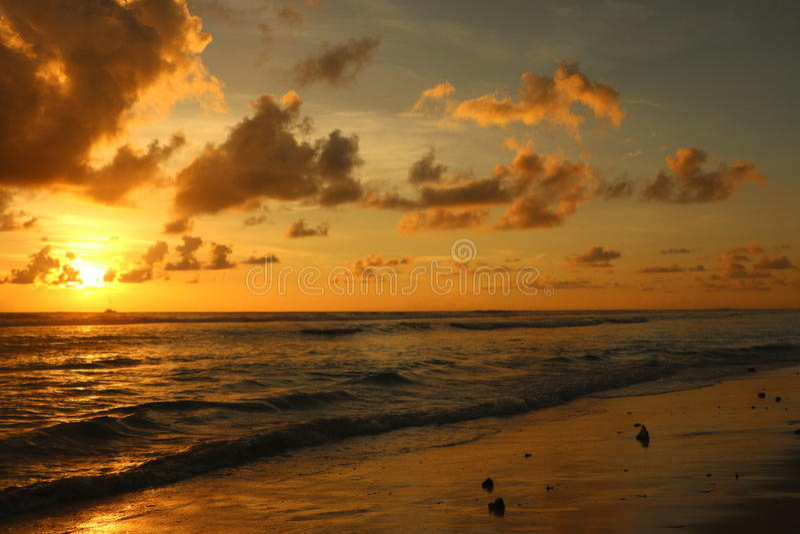 Ηλιοβασίλεμα στο addu στοκ εικόνες με δικαίωμα ελεύθερης χρήσης