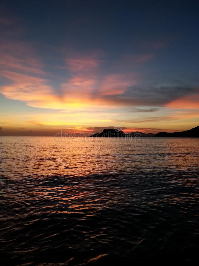 ηλιοβασίλεμα στο sattahip στοκ φωτογραφία με δικαίωμα ελεύθερης χρήσης