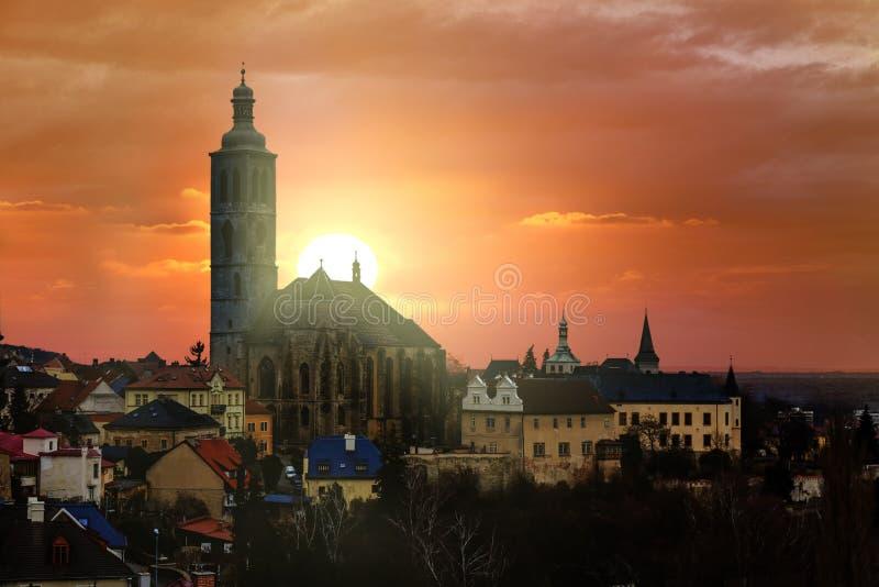 Ηλιοβασίλεμα στο sluzba Kutna Hora Pruvodcovska στοκ εικόνες