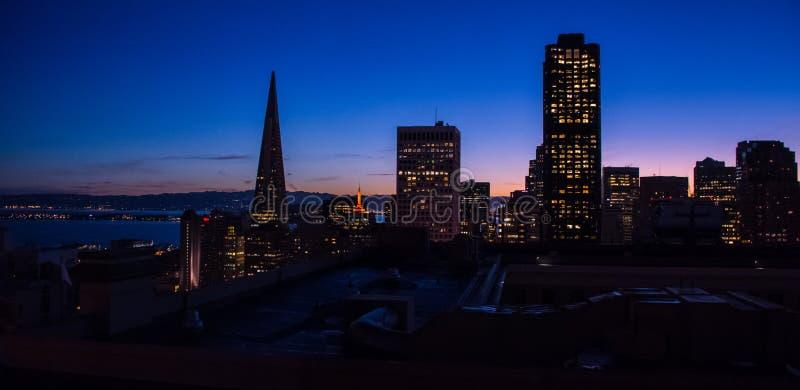 Ηλιοβασίλεμα του Σαν Φρανσίσκο στοκ εικόνα με δικαίωμα ελεύθερης χρήσης