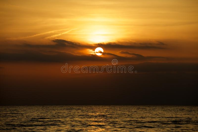 Ηλιοβασίλεμα του Erie λιμνών στοκ εικόνα με δικαίωμα ελεύθερης χρήσης