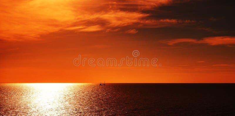 Ηλιοβασίλεμα Koh στο Si Chang στοκ φωτογραφίες με δικαίωμα ελεύθερης χρήσης
