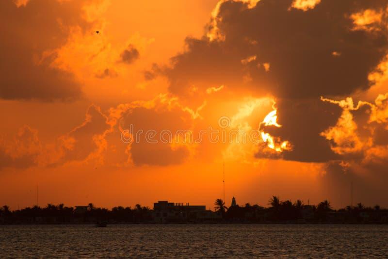 Ηλιοβασίλεμα Ria Lagartos στοκ φωτογραφία με δικαίωμα ελεύθερης χρήσης