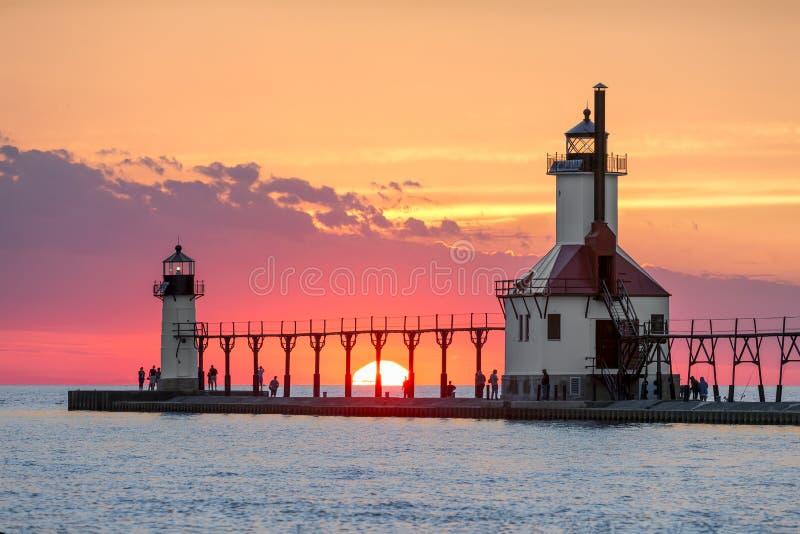 Ηλιοβασίλεμα Solstice στους φάρους του ST Joseph στοκ φωτογραφία