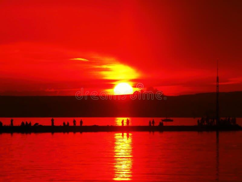 Ηλιοφάνεια στη λίμνη Balaton στοκ εικόνα