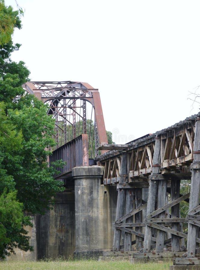Η ιστορική γέφυρα σιδηροδρόμων σε Gundagai στοκ φωτογραφία με δικαίωμα ελεύθερης χρήσης