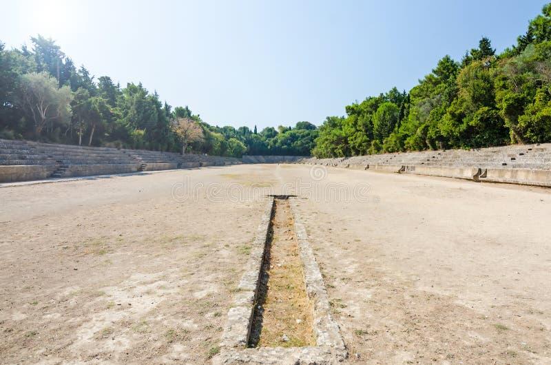 Ηλιόλουστη άποψη για το αρχαίο στάδιο στη Ρόδο στοκ εικόνα με δικαίωμα ελεύθερης χρήσης