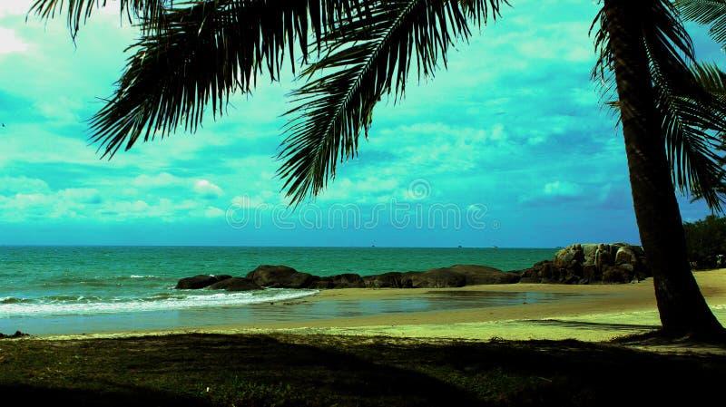 Ηλιόλουστη παραλία στοκ φωτογραφία