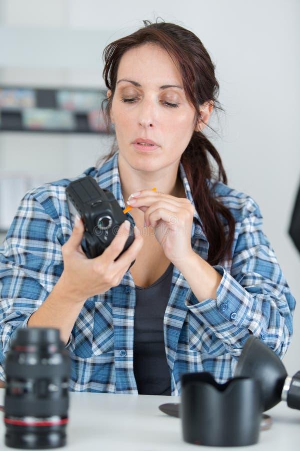 Η κάμερα στη χρήση στοκ φωτογραφίες