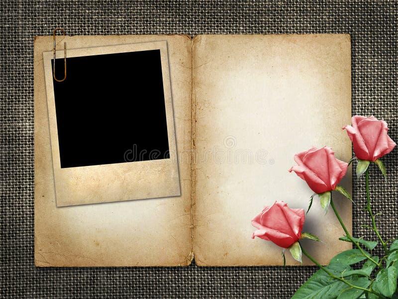 Η κάρτα για την πρόσκληση ή τα συγχαρητήρια με ρόδινο αυξήθηκε και παλαιό pho στοκ εικόνες
