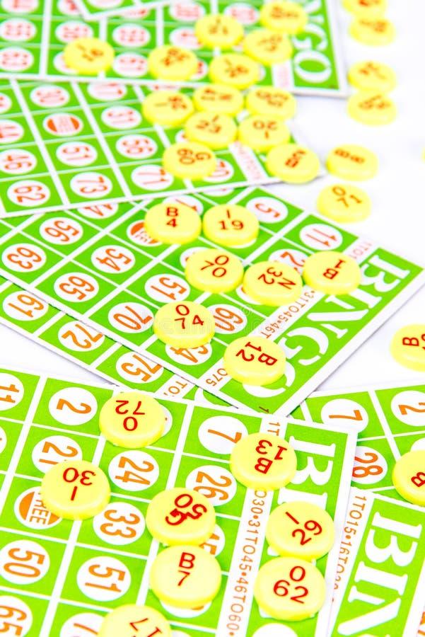 Η κάρτα Bingo τακτοποιεί με το τσιπ αριθμού στοκ εικόνα