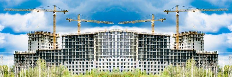 Η κατασκευή μιας νέας κατοικημένης περιοχής της πόλης στοκ φωτογραφία