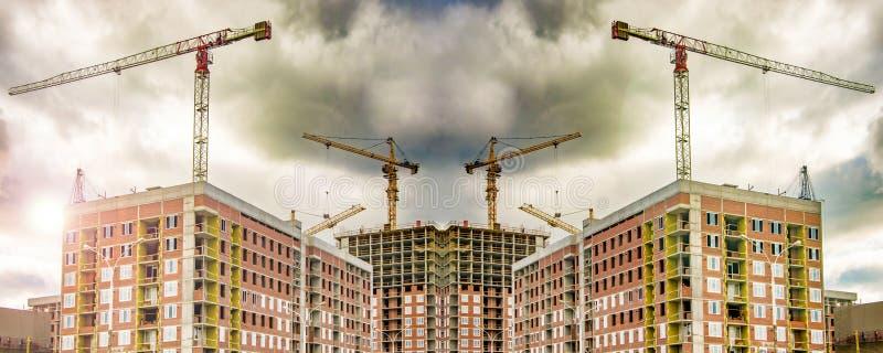 Η κατασκευή μιας νέας κατοικημένης περιοχής της πόλης στοκ φωτογραφίες