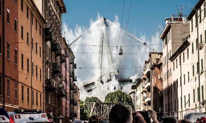 Η κατεδάφιση Ponte Morandi στη Γένοβα, Ιταλία στοκ εικόνα