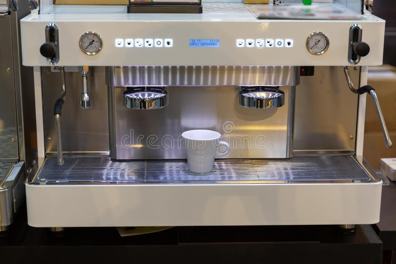 η καφετερία μπορεί να κάνει πολλούς τύπους καφέδων στοκ φωτογραφίες