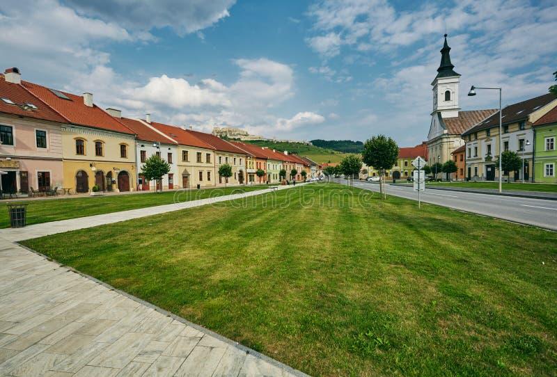 Η κεντρική οδός της πόλης Spisske Podhradie, Σλοβακία, Ευρώπη στοκ εικόνα
